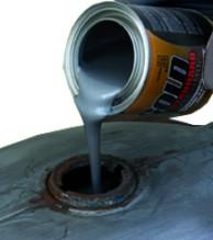 Motorcycle Tank Kit Pouring in Tank Sealer
